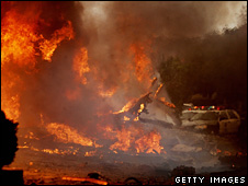 Fire caused by plane crash in San Diego (8 December 2008)