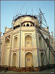 Taj replica in Bangladesh, image from 5 December