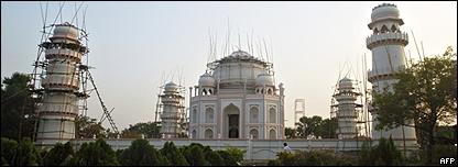 Réplica del Taj Mahan en Bangladesh, 5 diciembre 2008