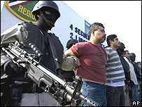 Presentación en México después de operación antidrogas.