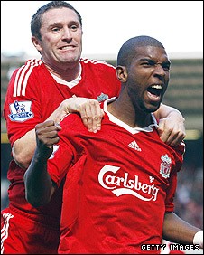 Robbie Keane (L) and Ryan Babel
