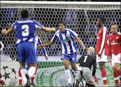 Bruno Alves scores for FC Porto