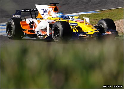 Fernando Alonso in his Renault at Jerez