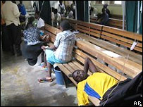 Заболевшие холерой в Зимбабве