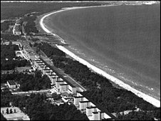 Historic aerial photo of Prora (photo: Bernd Kuehl)