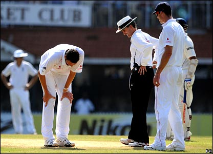 Steve Harmison checks his knee