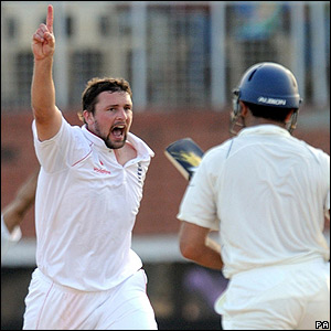 Harmison savours his wicket