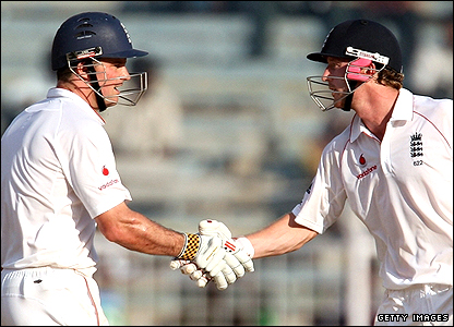 Andrew Strauss (left) and Paul Collingwood