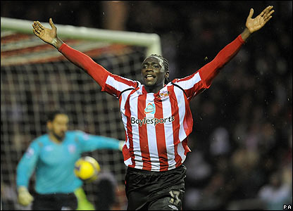 Sunderland's Kenwyne Jones celebrates scoring his second