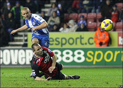 Lee Cattermole wraps up the 3-0 win for Wigan