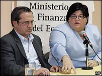 Ricardo Patiño y la ministra de Finanzas de Ecuador el 4 de diciembre