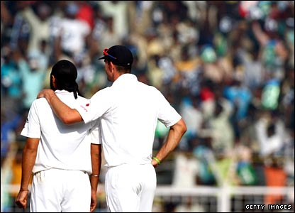 Monty Panesar and Kevin Pietersen