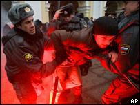 Разгон антиправительственного митинга в Петербурге