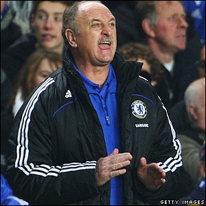Scolari shouts orders to his Chelsea players