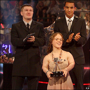 Simmonds collects her award