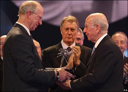 Jack Charlton presents brother Bobby with the Lifetime Achievement award