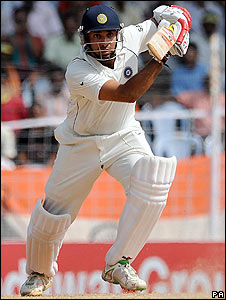 VVS Laxman plays the shot of the morning, an exquisite cover drive off Flintoff, as he and Tendulkar see India through to lunch