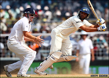 Graeme Swann removes Laxman soon after lunch but Yuvraj Singh meets the threat of England's spinners with some assertive strokeplay