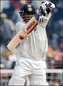Tendulkar is momentarily discomfited by a rising delivery but goes on to reach 50 and pass 1,000 Test runs  in 2008