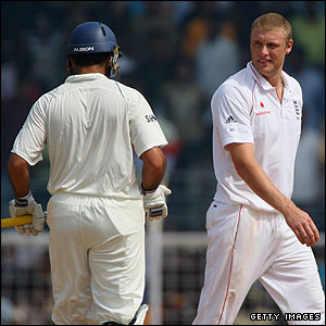 Flintoff tries to get under Yuvraj's skin by trying to involve him in a verbal exchange