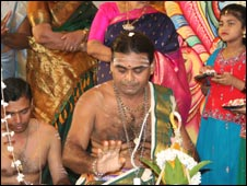 Eshwaran Kurukkal officiates at wedding