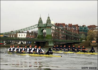 Oxford's trial eights race under Hammersmith Bridge