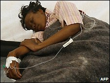Cholera patient being treated in Harare - 10/12/2008