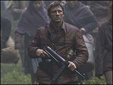 Daniel Craig in Defiance