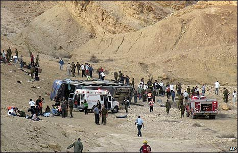 Site of a bus crash in the Negev desert, southern Israel (16/12/2008)