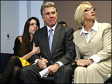 The Walsh family at a news conference in Hollwood, Florida (16/12/2008)