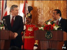 UK Prime Minister Gordon Brown and Pakistan President Asif Ali Zardari