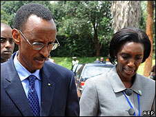 President Paul Kagame (l) and his aide Rose Kabuye (r)