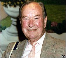 Jack Douglas in 2001