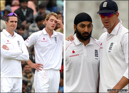 England captain Kevin Pietersen with Stuart Broad (left) and Monty Panesar (right)