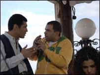 المخرج احمد رشوان يوجه الممثل باسم سمرة