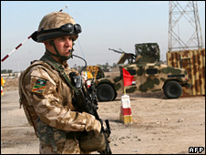 British soldier in Basra (18 December 2008)