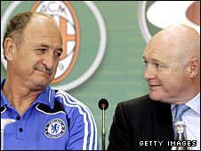 Luiz Felipe Scolari and Peter Kenyon