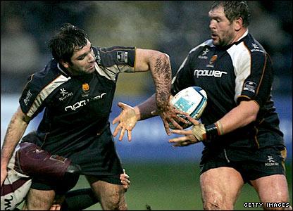 Pat Sanderson gets his offload away to Darren Morris