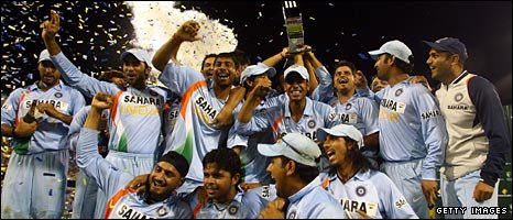 India celebrate after winning the one-day tri-series