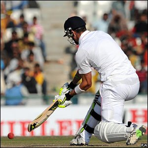 "Kevin Pietersen hits Harbhajan Singh for six, crossing his hands over for a ""switch-hit"""