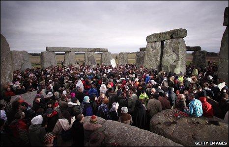 Crowd gather at Stonehenge