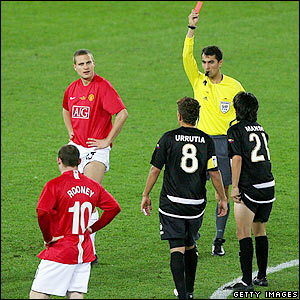 Vidic is sent off by the referee