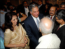 Taj Mahal Hotel Ratan Tata greets guests at the Taj Mahal Palace hotel, Mumbai (21/12/2008)