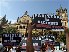 Muslims protest in Mumbai