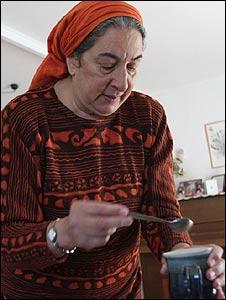 Judy Kramer, Ofra resident