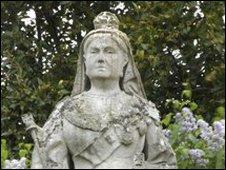 Queen Victoria statue in Woodbridge
