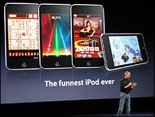 Steve Jobs in front of ipod touch