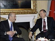 Outgoing Israeli PM Ehud Olmert and Turkish PM Recep Tayyip Erdogan meet in Ankara (22.12.08)