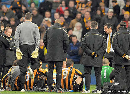 There are incredible scenes at half-time when furious Hull boss Phil Brown lectures his players on the pitch