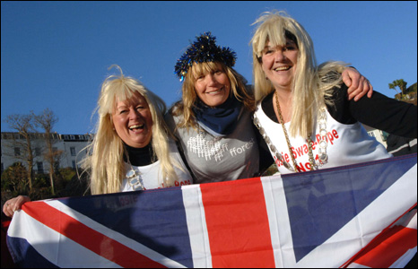Round-the-world adventurer Rosie Swale Pope, Sue Lane and Tish Rossiter (Pic: Gareth Davies Photography)